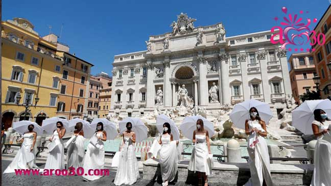 تجمع و اعتراض عروسها به لغو مراسم عروسیشان